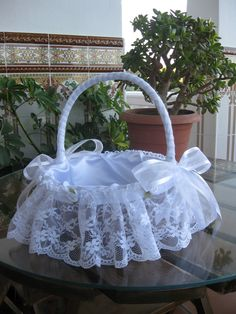 1 million+ Stunning Free Images to Use Anywhere Easter Baskets, Gift Baskets, Baby Shower Decorations, Wedding Decorations, Ring Pillow Wedding, Flower Girl Basket, Ideas Para Fiestas, Basket Decoration, Wedding Crafts