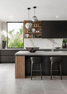 The 39 Best Black Kitchens - Kitchen Trends You Need To See - Kitchen Decor - Epoxy Crafts - White Oak Kitchen, Black Kitchens, Luxury Kitchens, Luxury Kitchen Design, Interior Design Kitchen, Kitchen Decor, Kitchen Ideas, Kitchen Layout, Kitchen Wood