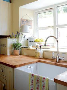 New Kitchen Window Sill Butcher Blocks Ideas Country Kitchen, New Kitchen, Kitchen Decor, Happy Kitchen, Country Sink, Kitchen Ideas, Updated Kitchen, Country Style, Butcher Block Countertops