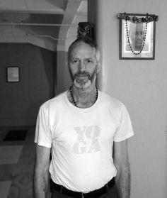 Mike Berghan- An amazing Ashtanga based Wellington - New Zealand - http://www.astanga.co.nz/   Read my blog post on his teachings: http://rachyyoga.com/2015/02/21/discovering-te-aro-astanga-yoga-in-wellington/#more-274