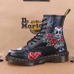 Fashion punk grunge doc martens Ideas for 2019 Dr Martens 1460, Dr Martens Stiefel, Botas Dr Martens, Doc Martens Outfit, Doc Martens Stil, White Doc Martens, Doc Martens Boots, Nike Shox, Martens Style