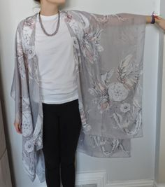 vintage rose : DIY Kimono 2019 vintage rose : DIY Kimono The post vintage rose : DIY Kimono 2019 appeared first on Scarves Diy. Source by 2019 Kimono Diy, Look Kimono, Kimono Tutorial, Kimono Cardigan, Kimono Style, Sewing Patterns Free, Free Sewing, Clothing Patterns, Diy Clothing