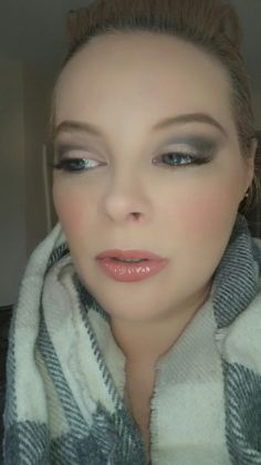 Grey smokey eye using Urban Decay Naked Smoky Palette. Lippy = Clinique Chubby Stick Intense in 01 Curviest Caramel