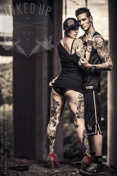 I LOVE inked couples.