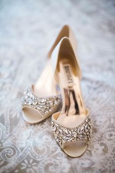 Sparkly bridal heels for wedding day