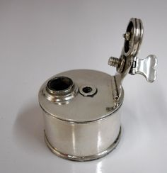 18TH-C SILVER LOCK-DOWN TRAVELING-INKWELL