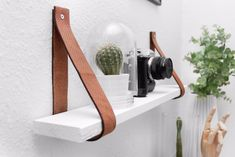 This sideboard was inspired by a boxing ring diy möbel CONTINUE Designer Emmanuel Gonzalez Guzman Tips for small bathrooms CONTINUE Leather Paper Towel Holder Here's a stylish soluti… Diy Cleaning Products, Diy Shelves, Wood Closet Shelves, Diy Home Decor, Home Diy, Pallet Diy, Decorating Your Home, Diy Cleaning Hacks, Bookshelves Diy