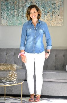 SAHMonday: Chambray, White Jeans and Colorful Sandals - Get Your Pretty On® Casual Outfits For Teens, Summer Fashion For Teens, Casual Winter Outfits, Mom Outfits, Womens Fashion For Work, Work Fashion, Summer Outfits, Jeans Fashion, Tomboy Fashion