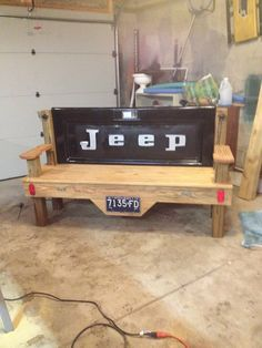 This would be a perfect way to use the old Jeep tailgate that Kirk has!