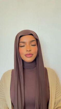Hijab Turban Style, Mode Turban, Hair Wrap Scarf, Hair Scarf Styles, Niqab Fashion, Modest Fashion Hijab, Mode Abaya, Mode Hijab, Hijab Fashion Inspiration