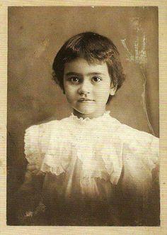 Frida Kahlo. 2 años.