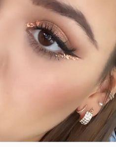 glitter eye makeup Bronze glitter for eye makeup - Beautiful Eye Makeup, Cute Makeup, Glam Makeup, Makeup Inspo, Makeup Art, Hair Makeup, Peach Makeup, 80s Makeup, Simple Makeup