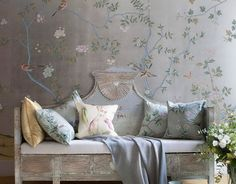 de Gournay Chinoiserie wallpaper with hand painted silk cushions De Gournay Wallpaper, Silk Wallpaper, Hand Painted Wallpaper, Chinoiserie Wallpaper, Chinoiserie Chic, Painting Wallpaper, Pattern Wallpaper, Interior Wallpaper, Wallpaper Installation