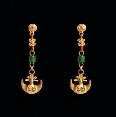 Aretes en oro y esmeralda