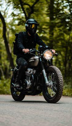 All black might not be the safest option. Cb750 Cafe Racer, Cafe Racer Bikes, Cafe Racer Motorcycle, Motorcycle Style, Biker Style, Motorcycle Gear, Motorcross Bike, Best Motorbike, Street Bikes