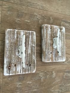 This Nautical style coat rack is made from Reclaimed Wood with a cast iron Dock Cleat. Perfect for a Beach themed bathroom, kitchen, laundry room, etc...   If you would like more than one color, just convo me and I will be happy to!   These are sold as a set of 2, however if you only want 1, the cost will be $16.50. Please convo me to let me know. Dimensions: Reclaimed Wood is approx. 5 1/2 x 8.   Thickness will vary depending on the pallet I can find, usually around .5.  Width is approx...