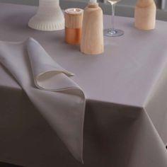 Tafelkleed Latus, damast katoen, kleur taupe ,DDDDD, tafellaken #mooigedektetafel #pasen #feest
