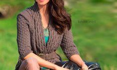 """Жакет с рельефным узором с планками из """"кос"""" – хорошее сочетание узоров и струящиеся формы. Цветовая гамма сдержанная, натуральная. Размеры: 38/40 (42/44) 46/48 Вам потребуется: пряжа (100% натуральной шерсти; 150…"""