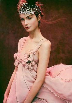 Sonia Rykiel - pink and fairy princess crown and stars Look Gatsby, Fashion Vestidos, Mode Glamour, Ellen Von Unwerth, Fru Fru, Mario Testino, Sonia Rykiel, Mode Style, Headpieces