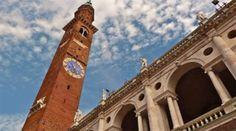 Una delle città italiane che si prestano ad un mordi e fuggi domenicale è Vicenza. Cominciamo il giro dalla periferia che si raggiunge comodamente in macchina.