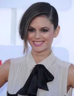 Rachel Bilson's updo and pale pink pout are stunning!