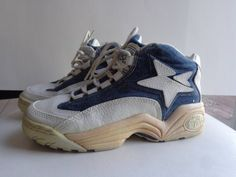 newest 59d88 a5f87 Converse. Vintage sneakers. Wildcats.Old Kentucky Blues. Wild.  Leather.Denim. Shoes. Wildcats .90s. 1996. Championship. Mens. Rare. 1990s.