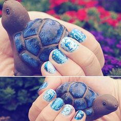 Tierisch tierisch😊🐢🐳 #blue #tortoise #water #moyoulondon @moyou_london #ice #eiswelt #snow #cold #nordpol #südpol #mixed #mood #snowflakes #whale #penguins #animals #nailart #nails #stamping #bothhands #enchanted05