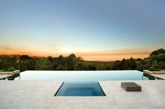 infinity pool design hotel pool backyard 9 Infinity Pools Design Ideas with Stunning Views Infinity Pools, Infinity Pool Backyard, Infinity Edge Pool, Backyard Pool Designs, Modern Landscape Design, Modern Landscaping, Pool Landscaping, Swimming Pools Backyard, Swimming Pool Designs