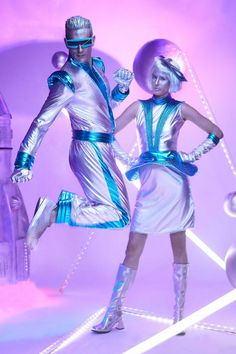 Shop Chasing Fireflies for our Light-Up Space Suit Costume for Men. Browse our online catalog for the best in unique children's costumes, clothing and more. Space Suit Costume, Space Costumes, Boy Costumes, Costumes For Women, Space Girl Costume, Costume Halloween Homme, Halloween Kostüm, Couple Halloween Costumes, Mens Alien Costume