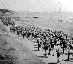 The Scottish Rifles arrive at Estcourt, where General Buller, the commander of British forces, had established his HQ. The rifles would assist in the relief of Ladysmith. (McGregor Museum)