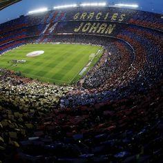 La dedica dei tifosi del #Barcellona per Joan #Crujff