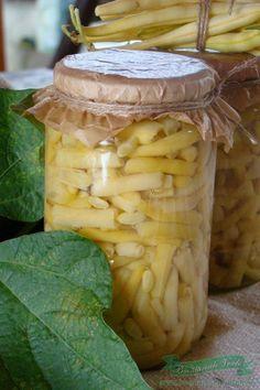 Conserva de Fasole Verde Chutney, Romanian Food, Romanian Recipes, Preserves, Ale, Spicy, Mason Jars, Canning, Preserve