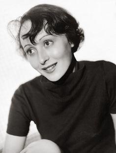 Luise Rainer.