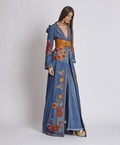 Beautiful Shirt Dress with Stunning Belt Mode Hippie, Bohemian Mode, Women's Fashion Dresses, Hijab Fashion, Casual Dresses, Denim Fashion, Look Fashion, Womens Fashion, Bohemian Schick