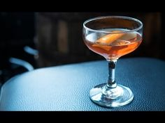 How to Cocktail: Mancini #cocktails #recipes #drinks