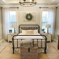 Awesome 44 Modern Farmhouse Style Bedroom Decor Ideas. More at https://trendecorist.com/2018/03/03/44-modern-farmhouse-style-bedroom-decor-ideas/