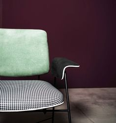 BAUHAUS SPECIAL EDITION PRINTED LITTLE ARMCHAIR Кресло. Размеры: 71 х 72 х 71 см. Материал: кожа, металл. Дизайн: Draga & Aurel. Производитель: Baxter. Страна: Италия.