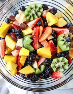 poppy seed fruit salad I howsweeteats.com #poppyseed #fruitsalad #salad