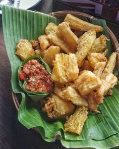Indonesian Desserts, Indonesian Cuisine, Asian Recipes, Ethnic Recipes, Asian Foods, Savory Snacks, Food Plating, Diy Food, The Best