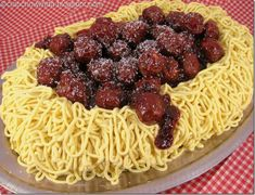 Spaghetti and Meatballs Cake. This is actually a cake decorated with frosting piped in strands to look like spaghetti, topped with chocolate truffle meatballs tossed with strawberry jam. Crazy Cakes, Fancy Cakes, Spaghetti And Meatballs, Spaghetti Dinner, Yellow Cake Mixes, Novelty Cakes, Looks Cool, Let Them Eat Cake, Cupcake Cakes