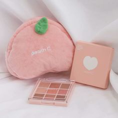 43 Ideas for korean makeup natural peach Soft Makeup, Cute Makeup, Pretty Makeup, Natural Makeup, Peach Makeup, Peach Aesthetic, Girly, Korean Makeup, Aesthetic Makeup