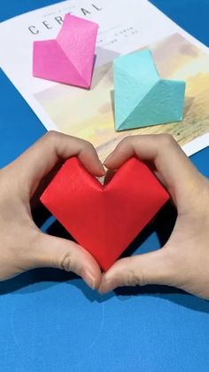 Instruções Origami, Cute Origami, Origami Stars, Dollar Origami, Origami Bookmark, Origami Flowers, Diy Origami Cards, Origami Balloon, Geometric Origami