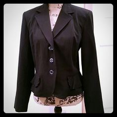 Josephine Chas Sz 6 Black Peplum Blazer This is a beautiful blazer, the lines are gorgeous on. The mannequin does not do it justice. This is a Josephine Chaus Sz 6. There's a peplum that goes all the way around from front to back. There are no pockets, blazer is fully lined. Outer shell is 60% polyester, 35% rayon, 6% spandex. Lining is 100% polyester. Blazer is machine-washable. (This blazer is on the pink WHBM blouse in my closet for an example.) Josephine Chaus Jackets & Coats Blazers