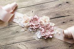 Ceinture de mariée  robe de mariée ceintures par NAFEstudio sur Etsy