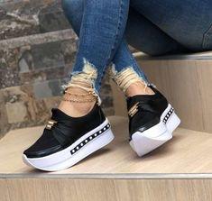 Zapatos Colombianos Para Damas( Hechos En Colombia) - Bs. 28.000,00 en Mercado Libre Wedge Tennis Shoes, Wedge Sneakers, Casual Sneakers, Sneakers Fashion, Casual Shoes, Fashion Shoes, Shoes Sneakers, White Heel Boots, Wedge Ankle Boots