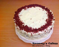 """This is the most easiest and delicious Redvelvet recipe ever! You only need 2 bowls to make this Red Velvet Cake. A bowl for the dry ingredients and another bowl for the liquid ingredients.This recipe Yield 2- 8″ Layers or 1 - 8"""" (with a height of 10 inches).  For the recipe click on the link belowhttp://brownyscakes.blogspot.nl/2013/11/red-velvet-cake-recipe-bolo-di-red.html  For all the upcoming recipe just subscribe to my blog!"""