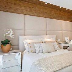 Inspiração do Dia que dá vontade de dormir 5 dias seguidos!  Amo quartos com tons neutros!! [by Claudia Pimenta] #inspiração #decor #design #interiordesign #arquitetura #decoração #homedecor #papodecora #blogpapodecasada #papodecasada