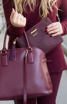 Marsala is versatile which works great with us. Marsala provides an enormous highlight for our different facial parts. Here's how to wear Marsala. Fashion Bubbles, Plum Pretty Sugar, Fashion Bags, Womens Fashion, Fall Fashion, Latest Fashion, Fashion Trends, Mode Inspiration, Mode Style