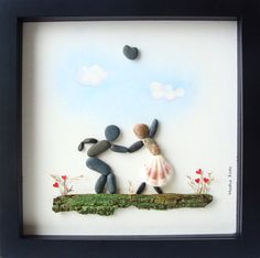 Pebble Art Wedding Gift Unique Engagement Gift di MedhaRode