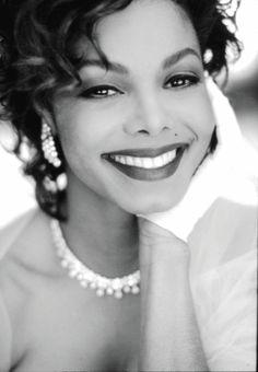 Janet Jackson love her beautiful smile Janet Jackson, Michael Jackson, The Jackson Five, Jackson Family, Jackson Square, Divas, Lisa Marie Presley, Beautiful Black Women, Beautiful People
